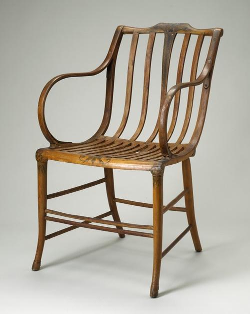 F5-O&G-armchair