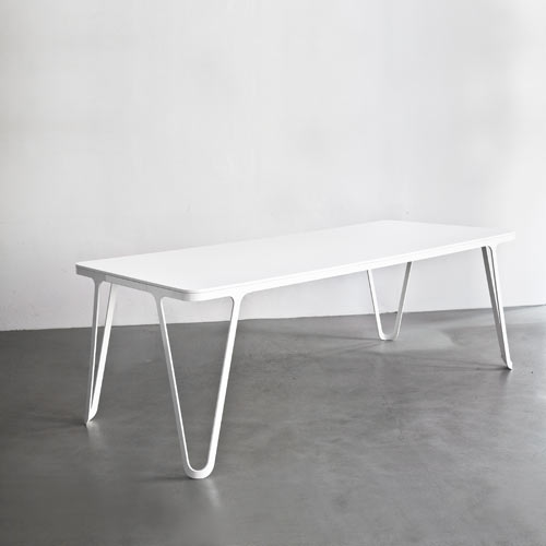 aluminium-table-sebastian-scherer