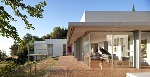 LAM House by arstudio architecture