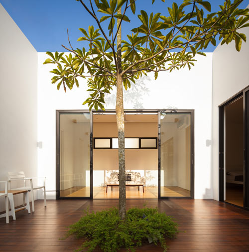 Mandai-Courtyard-House_8