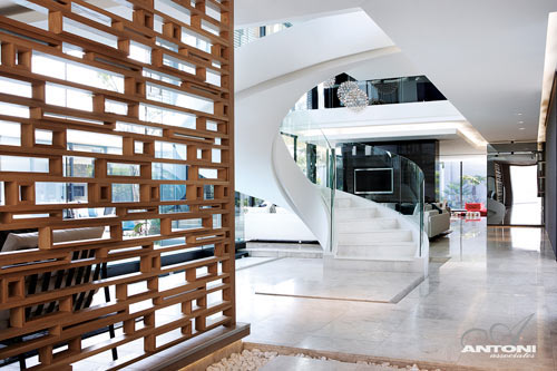 architectural room dividers. The wood room divider is simply fantastic  6th 1448 Houghton Residence ZM by SAOTA and Antoni Associates