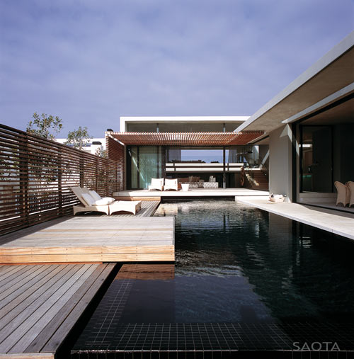 Split-Level Beach House in South Africa by SAOTA
