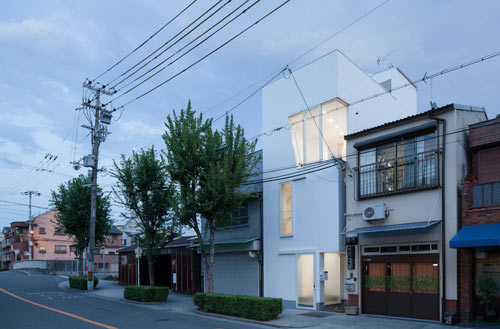 House in Tamatsu by Kenji Ido