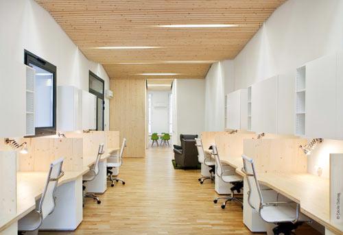 Clean, Modern Office by Michaël Menuet Architecte