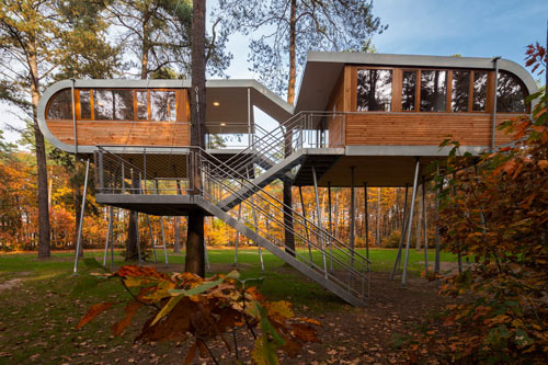 Beautiful An Experiment In Sustainability: The Treehouse By Baumraum ... Amazing Design