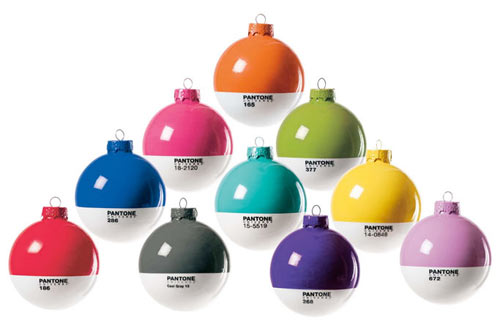 20+ Modern Christmas + Holiday Decorations ...
