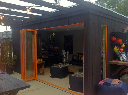 Kenjo cabin like prefab guest house or studio design milk - Como hacer una caseta de obra ...