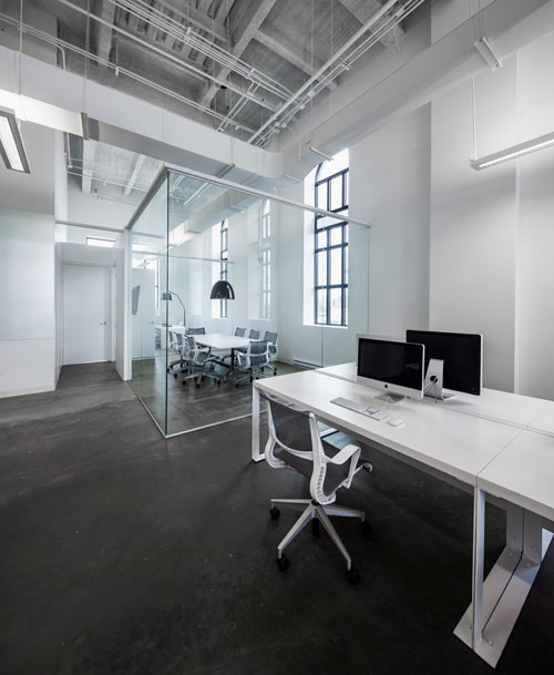 blue-communications-modern-white-office-14