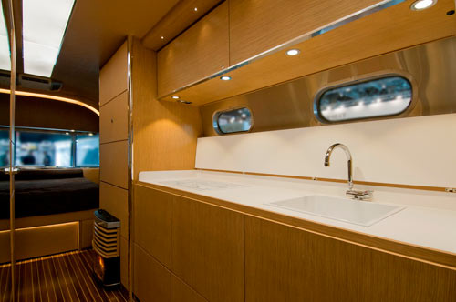 Airstream-Land-Yacht-7