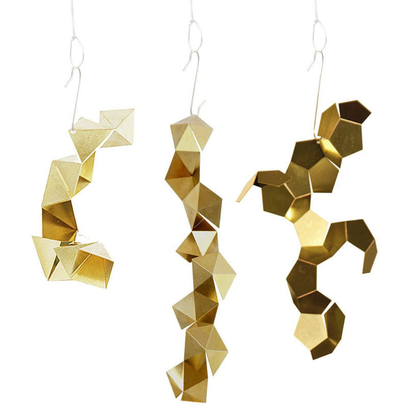 holiday-decor-dowse-fragments-tree