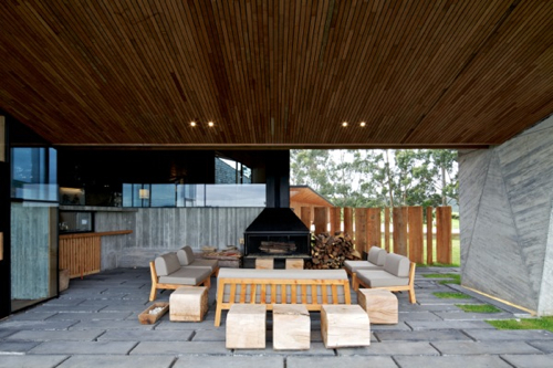 dest-refugia-patio-fireplace