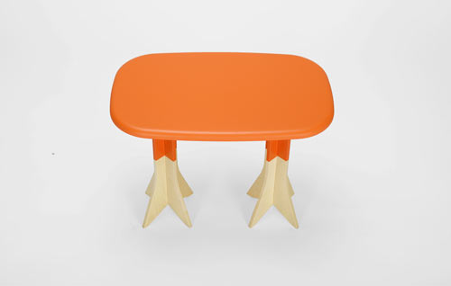 pig-on-the-wing-stool-3