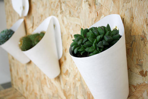 Opot Wall Planter by Clara del Portillo