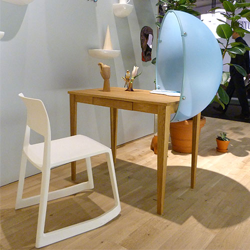 Vitra desk at IMM Cologne
