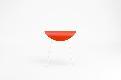 Saddle-stool-by-Studio06-red-front