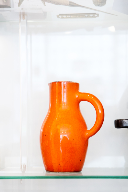 Store(y)-Original-in-Berlin-orange-pitcher