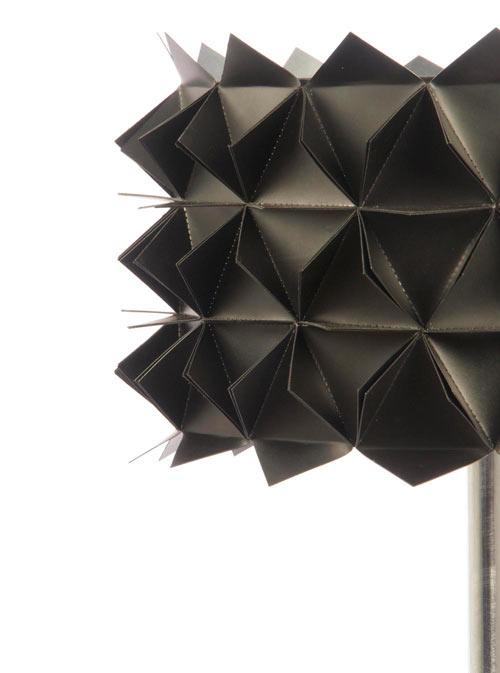 Studio-Avni-3a-black-table-lamp