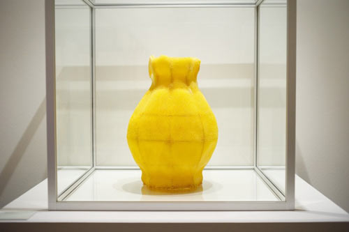 beeswax-vase-photo-rene-spitz