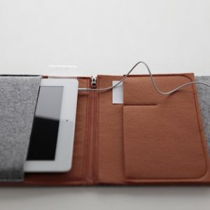 Felt Case by cloudandco