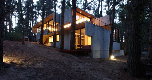 modern-concrete-house-multiple-levels-4