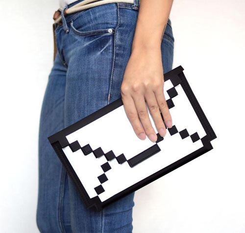 Big Big Pixel: Pixelate Your Gear While You Protect It