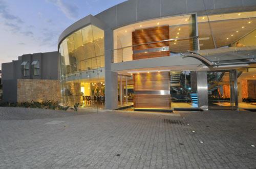 Glass House by Nico van der Meulen Architects Design Milk