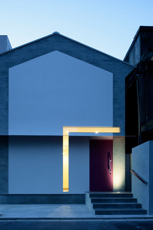 Keyhole House by EASTERN Design Office in main architecture  Category