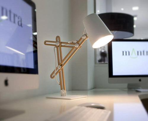Looker Desktop Lamp By Santiago Sevillano ...