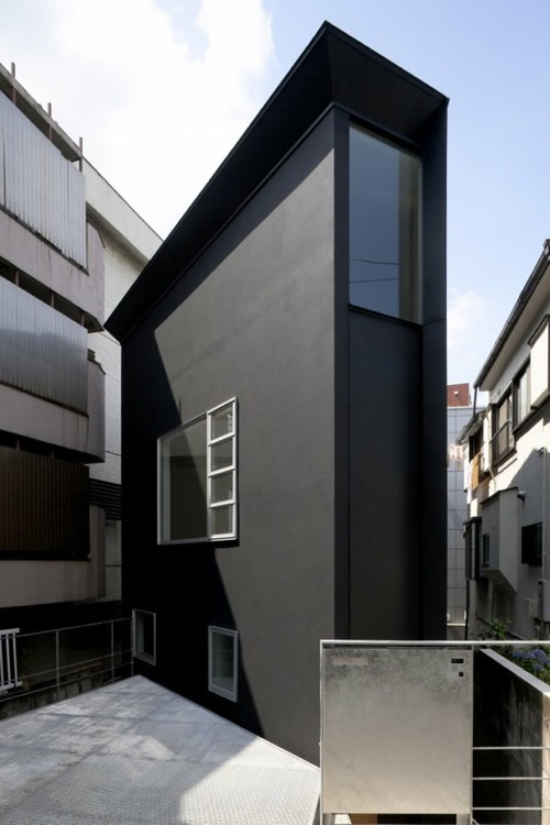 Black Color House Unusual Interior Firm Atelier TEKUTO Designed This Super Skinny Home Called OH House
