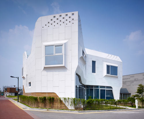 A House Covered in HI MACS: Pan gyo Residence by Office 53427 in main architecture  Category
