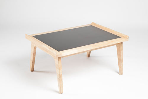Rits-chestnut-wood-table