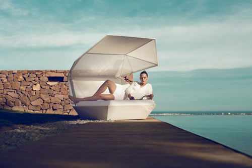 FAZ Daybed by Ramon Esteve for VONDOM in main home furnishings  Category