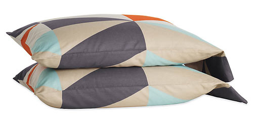 dwr-judy-white-diamond-sheets-pillowcases