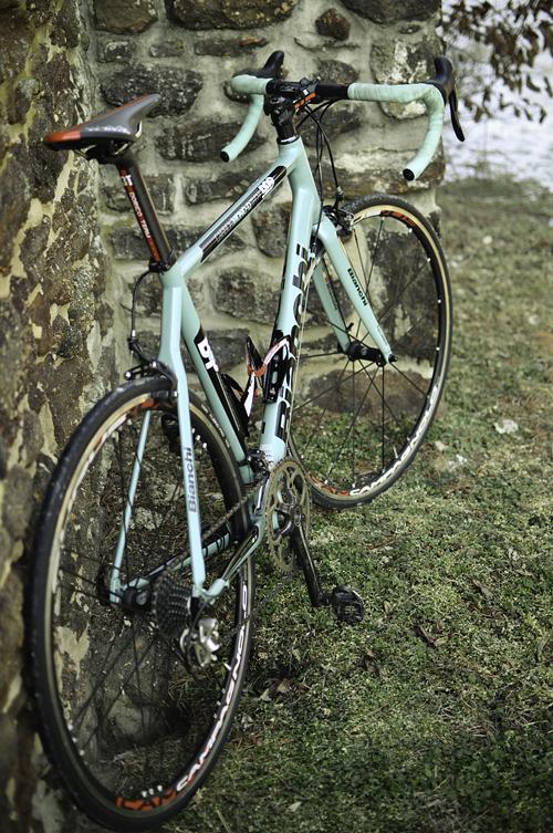 f5-Iannone-1-bike