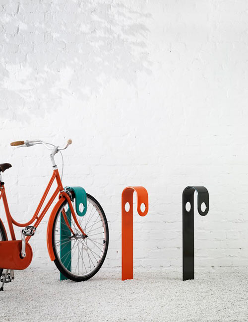 note-designstudio-hook-bike-stand