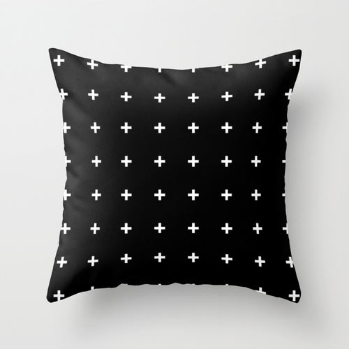 s6-black-and-white-cross-pattern-pillow