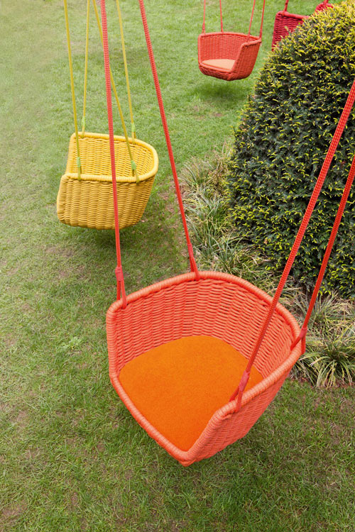Adagio Outdoor Swing by Francesco Rota - Design Milk