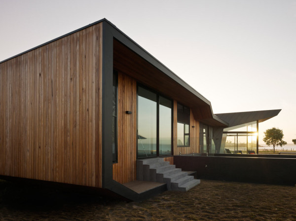 BKK-06-Beached-House-North-East-Facade-Peter-Bennetts