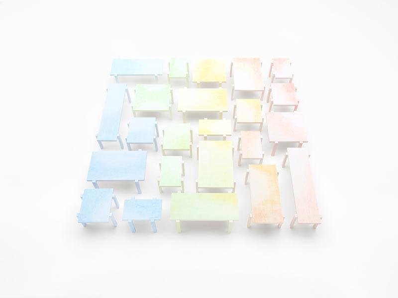 Nendo-colored-pencil_tables02