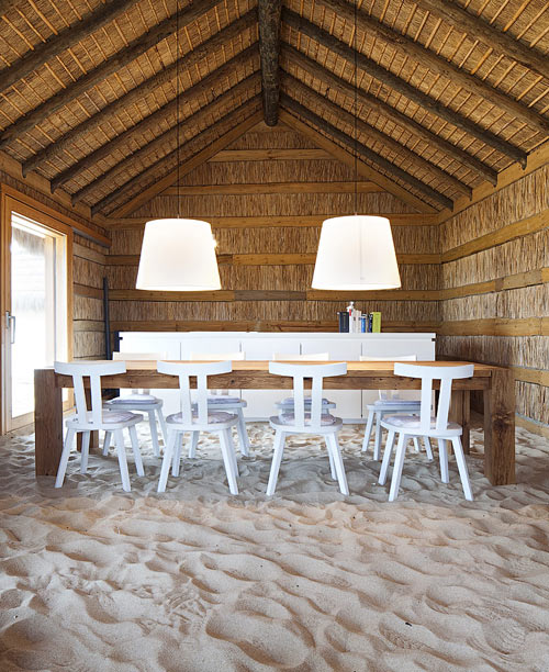 casasnaareia-beach-style-retreat-portugal-dining