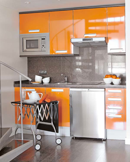 Pretty Bright Small Kitchen Color For Apartment Shiny Kitchen Spotted On Mi Casa Revista Combines Doors In Bright