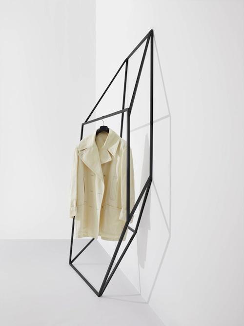 line drawing 3D coat clothing rack