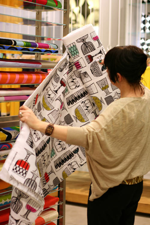 nottene-shopping-at-marimekko-goblet