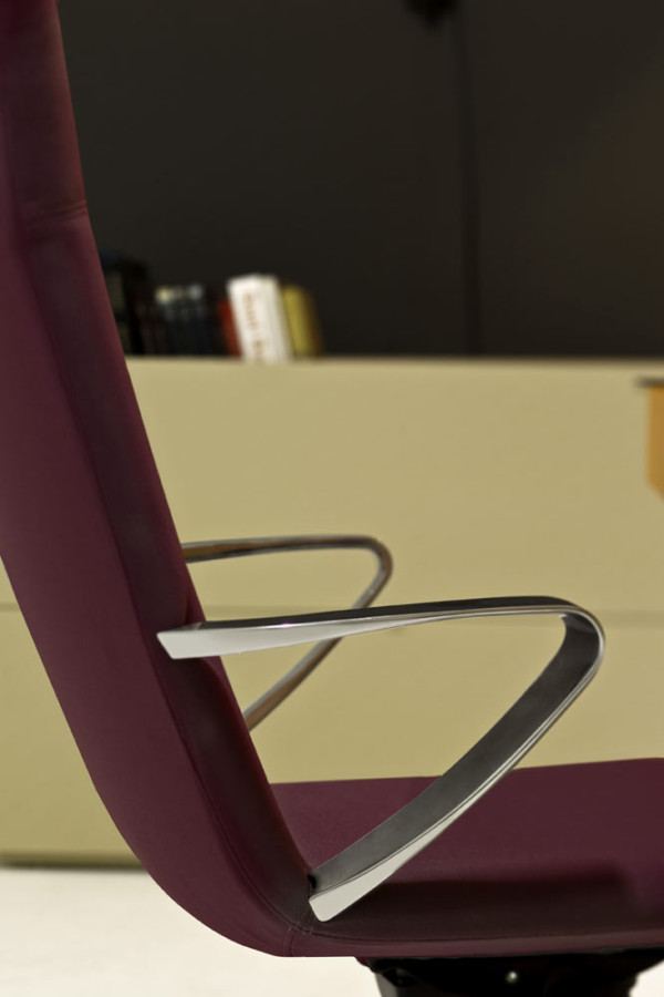 Castelli-17-Nidus-Chair