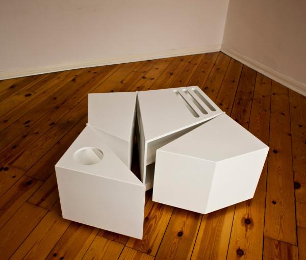 D-Haus-D-Table-2