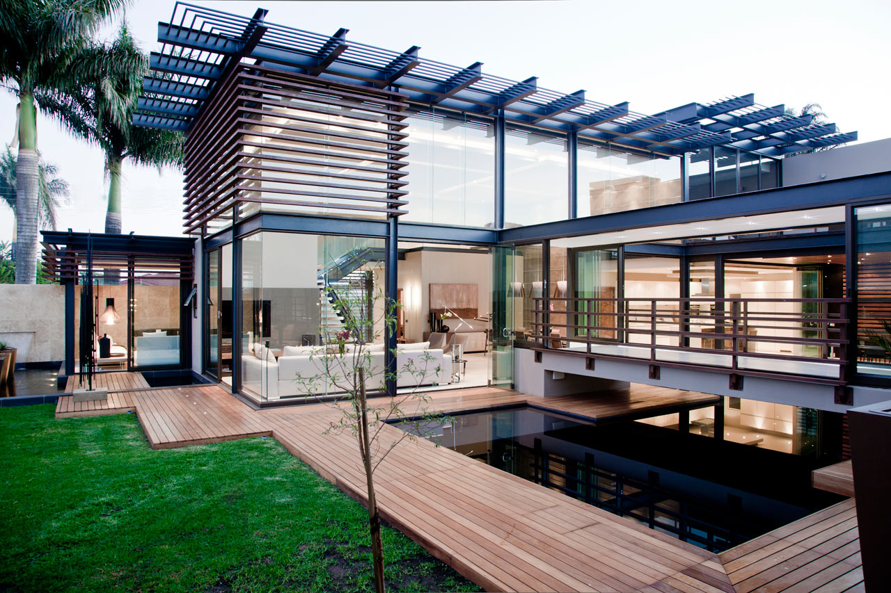 Stunning Luxury Home By Nico Van Der Meulen Architects ...