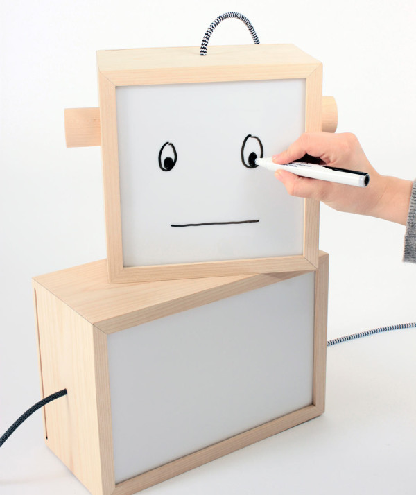LM-box-mood-light-happy-face