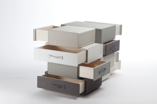 Maarten-De-Ceulaer-Suitcases-furniture-chest-of-suitcases
