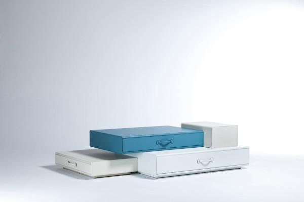 Maarten-De-Ceulaer-Suitcases-furniture-coffee-table