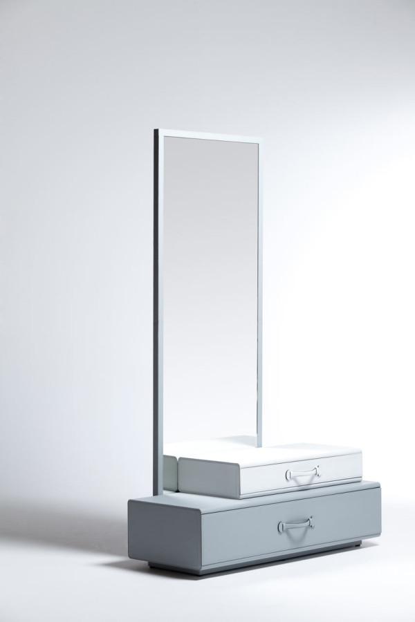 Maarten-De-Ceulaer-Suitcases-furniture-mirror-stand